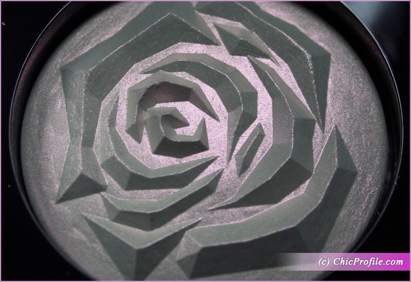 Lancome La Rose Face Highlighter Details