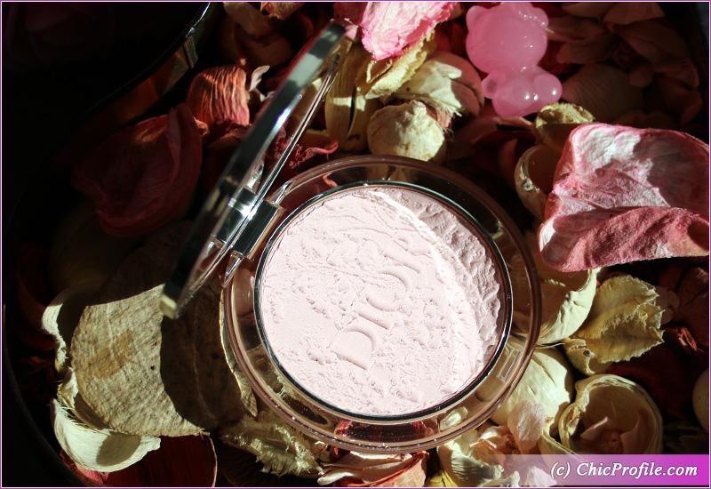 Dior Mineral Nude Glow (01) Blooming Garden Packaging