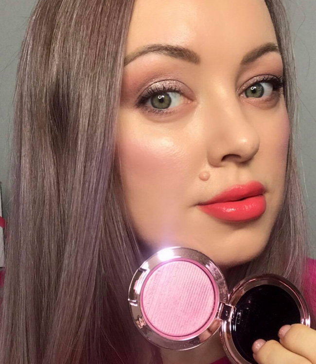 MAC Dilly-Dolly Extra Dimension Blush Makeup