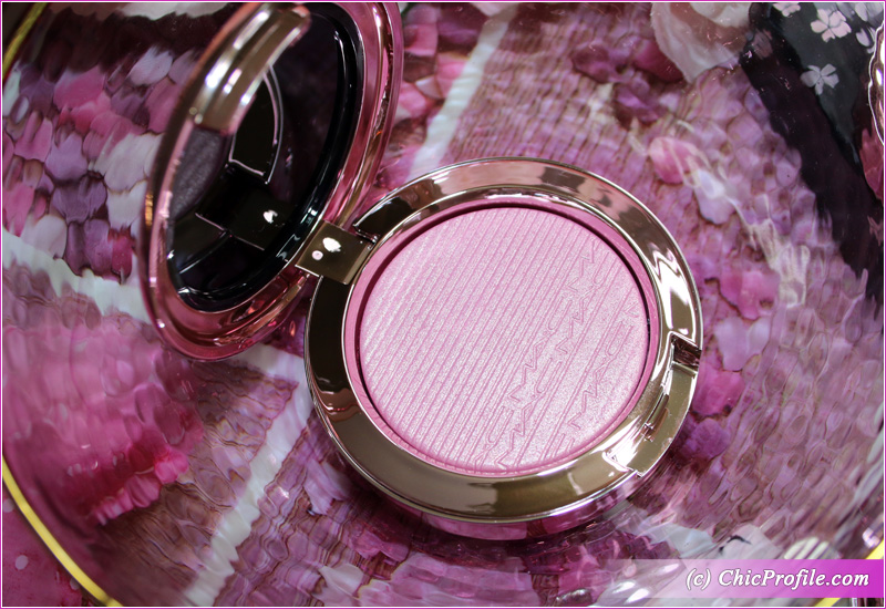 MAC Dilly-Dolly Extra Dimension Blush Open