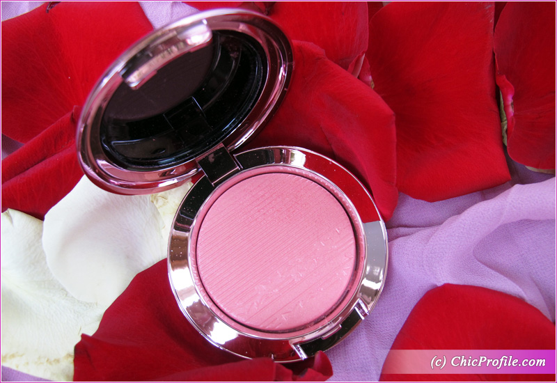 MAC Look, Don't Touch! Extra Dimension Blush Open